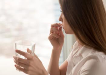 薬局で処方されるカロナール(アセトアミノフェン)は通販で購入可能?処方箋がなくても購入できる零売についても解説